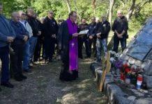 Molitva za smaknutog prvog sušačkog župnika vlč. Martina Bubnja nad jamom Bezdan 2019 godine.